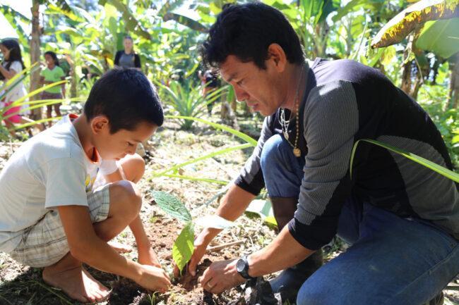Photo: Associação de Jovens Guerreiros Guardiões da Floresta (ジョベンス・ゲヘルス・ダ・フロレスタ同盟)